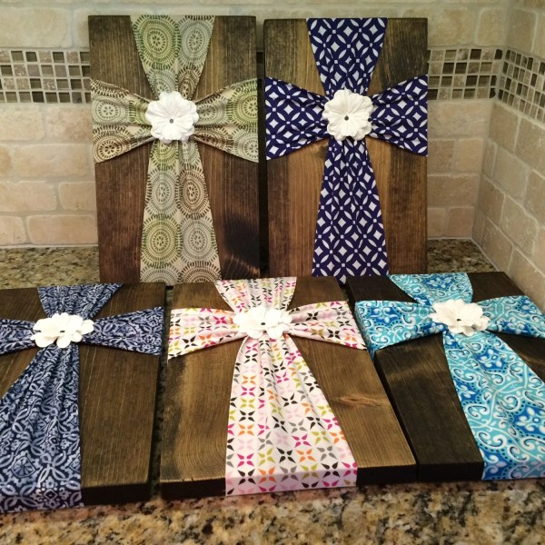 Wall Art Fabric Cross Wood Plaque With Flower