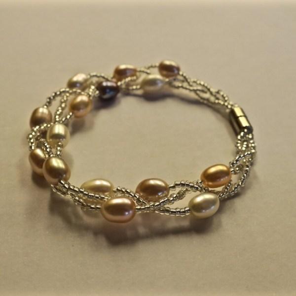Pretty Vintage Freshwater Pearl Bracelet