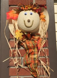 Items similar to Scarecrow Wreath, Straw hat wreath, fall ...