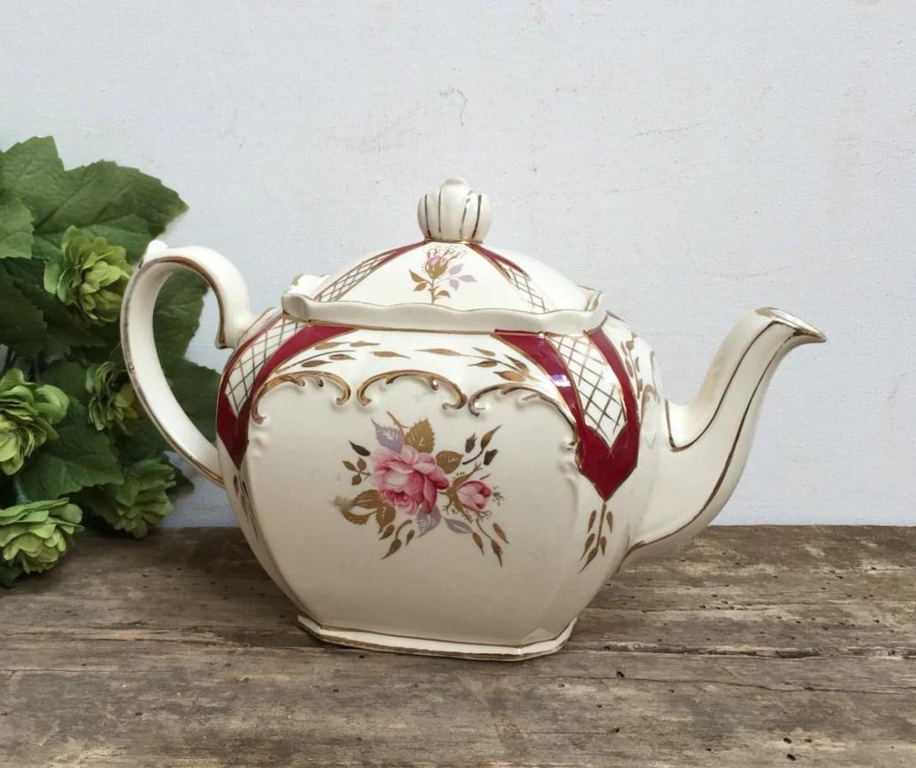 Vintage Sadler England Cube Shaped Red Rose Teapot Cream Gold