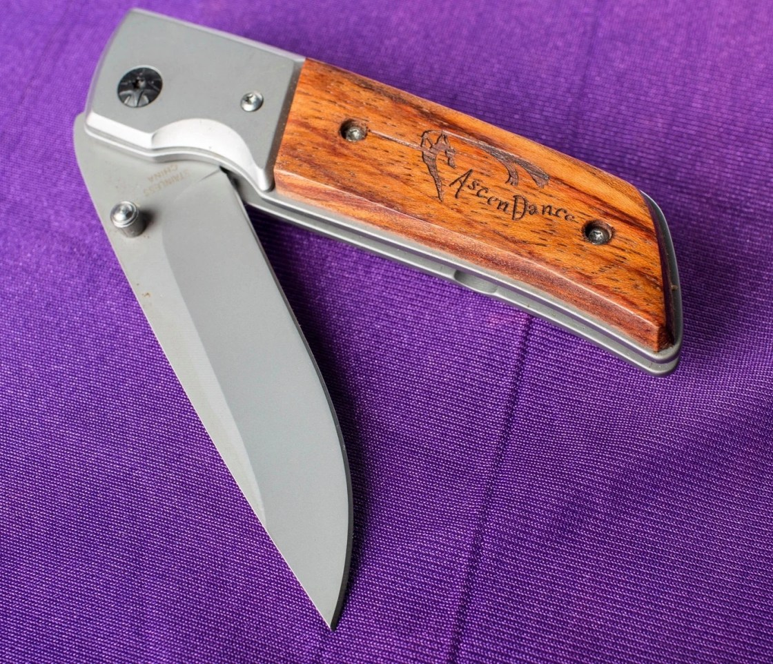 AscenDance Knife w/LED...