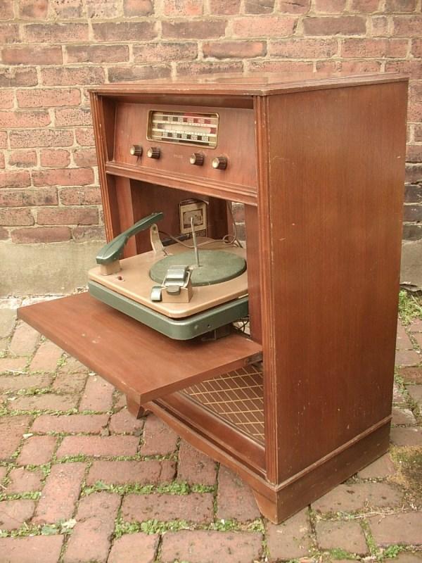 Antique 1940' Philco Radio With Turntable Model
