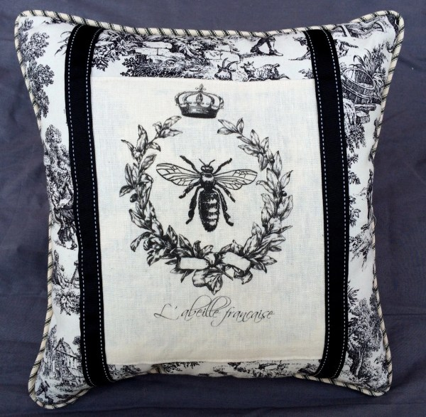 French Queen Bee And Wreath Pillow With Juniperhillantiques
