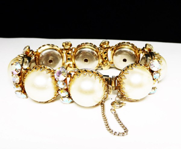 Chunky Pearl Bracelet Antique