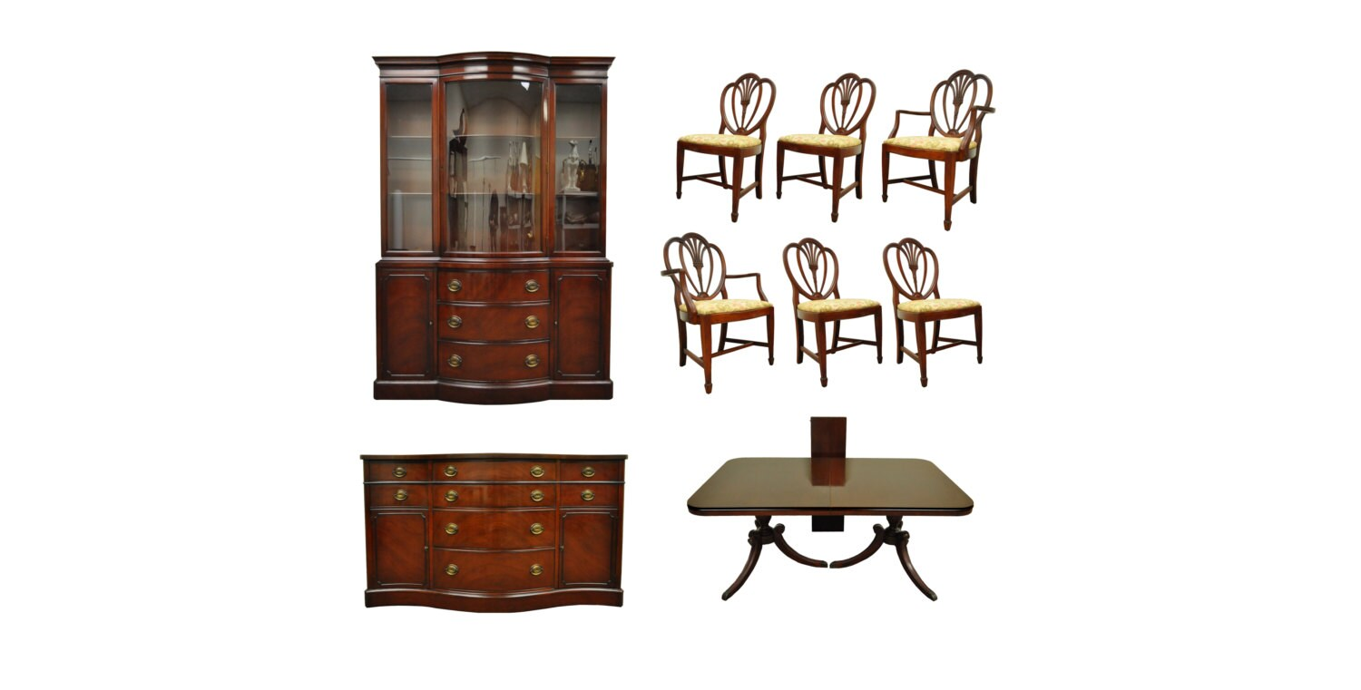 Vintage Drexel Traditional New Travis Court Dining Room