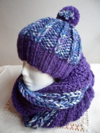 Women's/Girl's Hat and Scarf Set Chunky Purple Hat