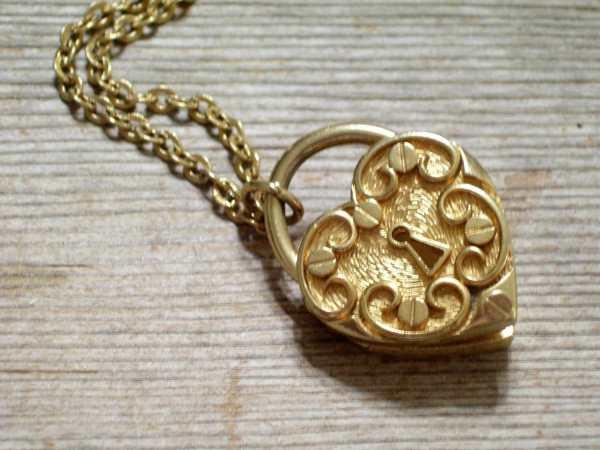 Vintage Heart Locket Gold Plated Ornate Lock Perfume