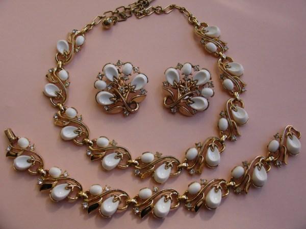 Trifari Crown Necklace Bracelet Earrings White Thermoset