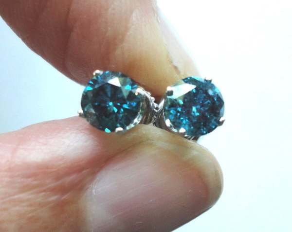 Blue Diamond Stud Earrings 1 2 Carat Tw In 14k