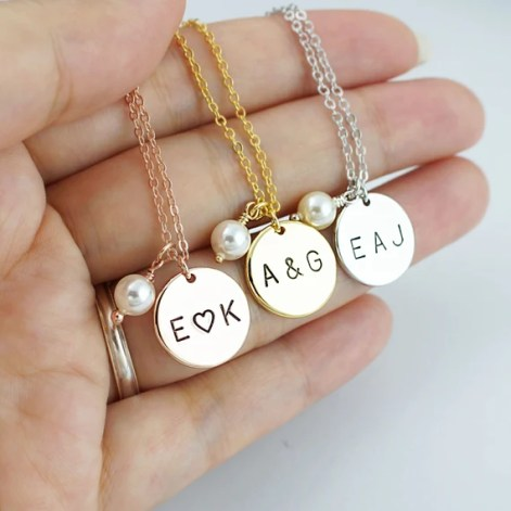 These personalized necklaces are such creative Valentine's day gifts for her!