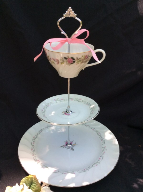 Wedding Cake Stand 3 Tier China White Silver