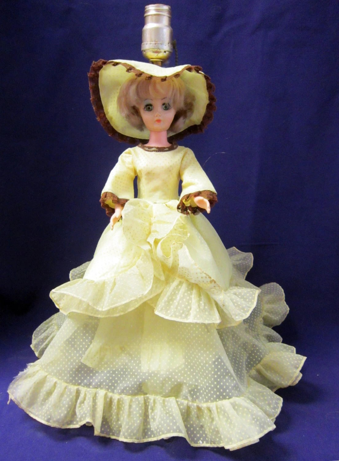 Southern Belle Doll Table Lamp Plastic Doll Lamp with Movable