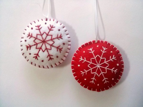 Red and White Christmas Ornament Set
