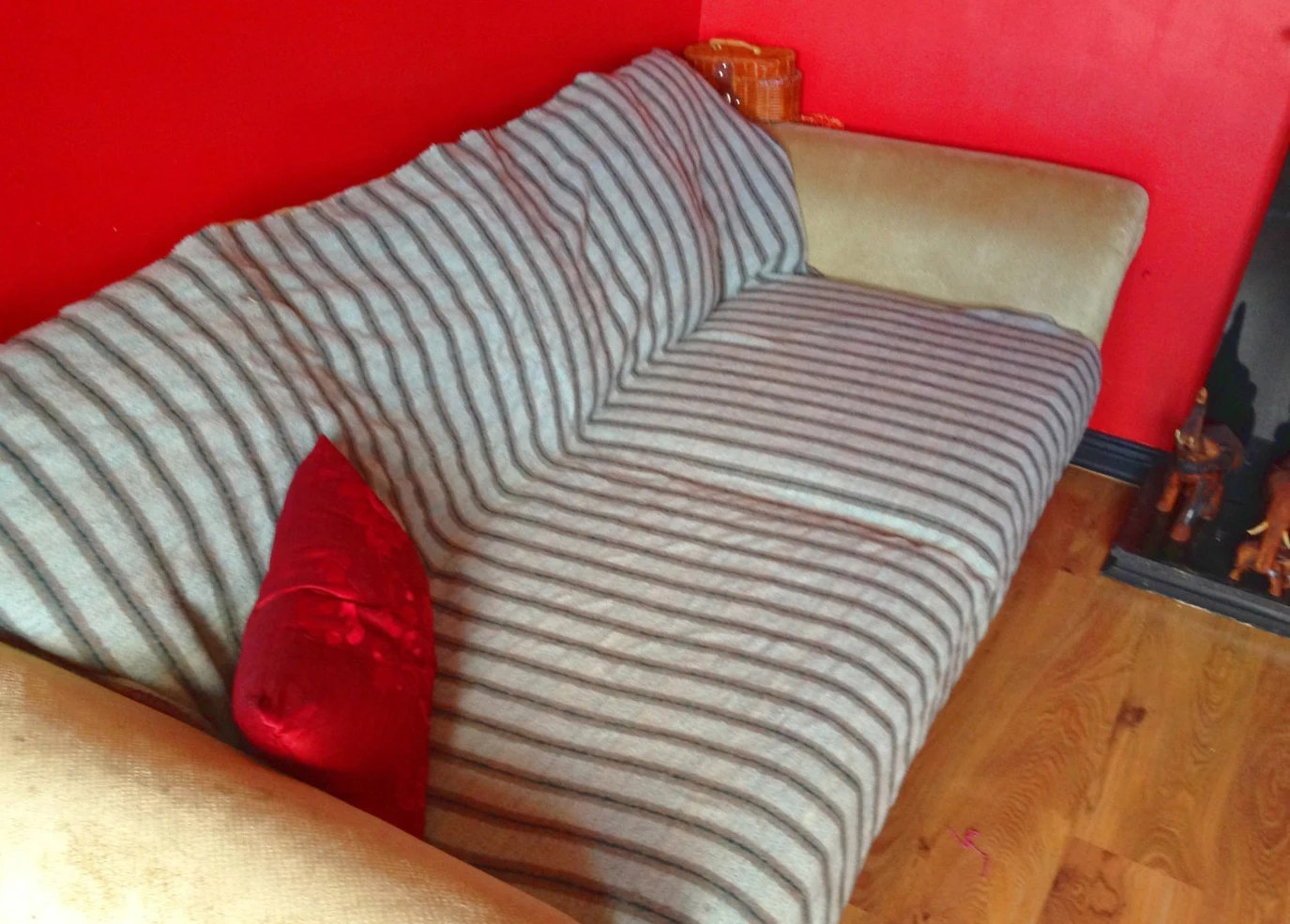 4 foot wide sofa bed large corner with chaise end irish wool throw over 8 x 6