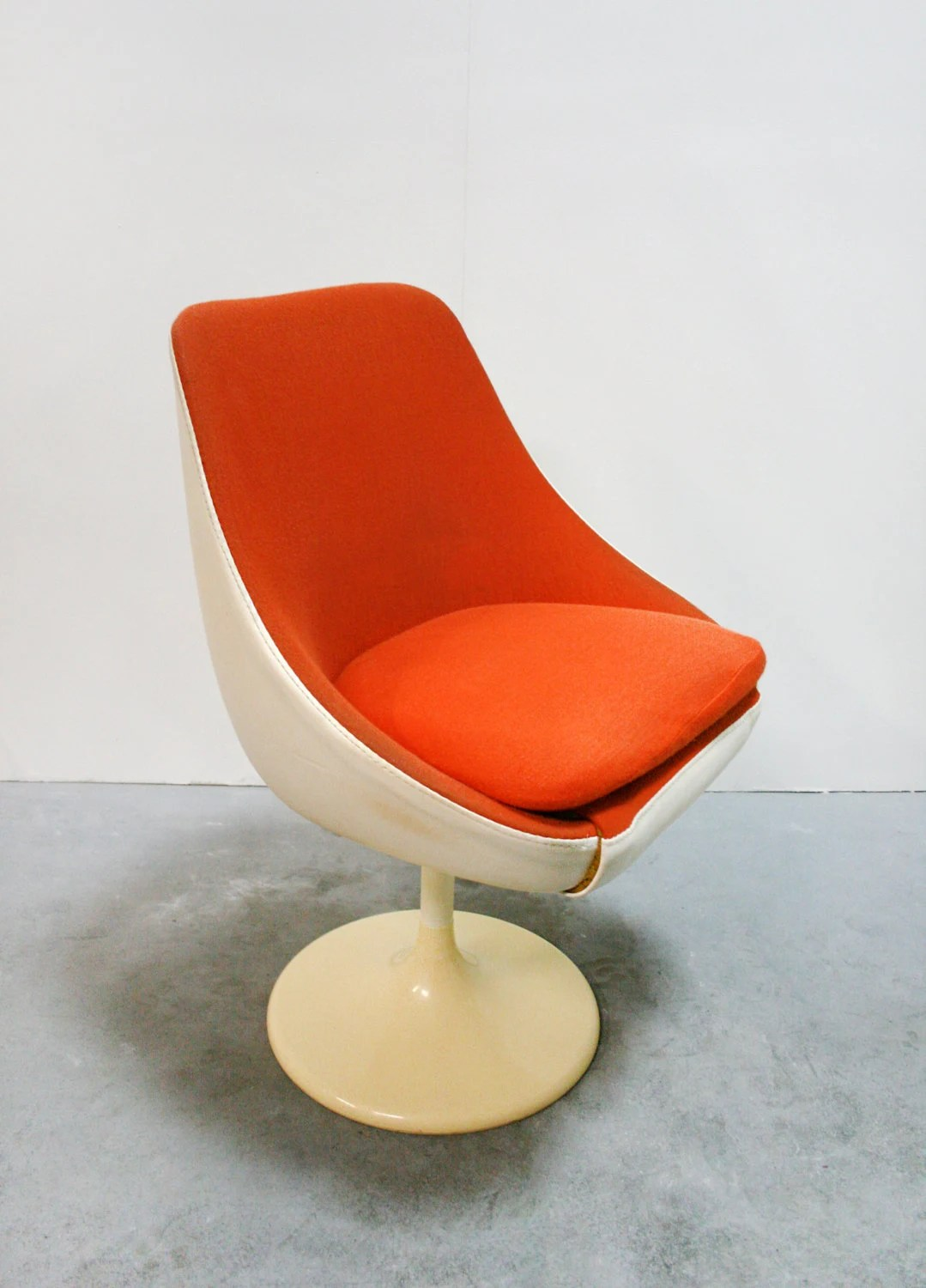 Egg Shell Chairs Vintage Lusch Erzeugnis Egg Pod Tulip Leather Swivel Lounge