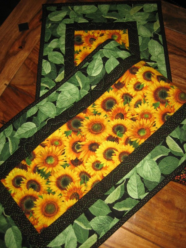 Yellow Sunflowers Quilted Tablerunner Summer Table Runner