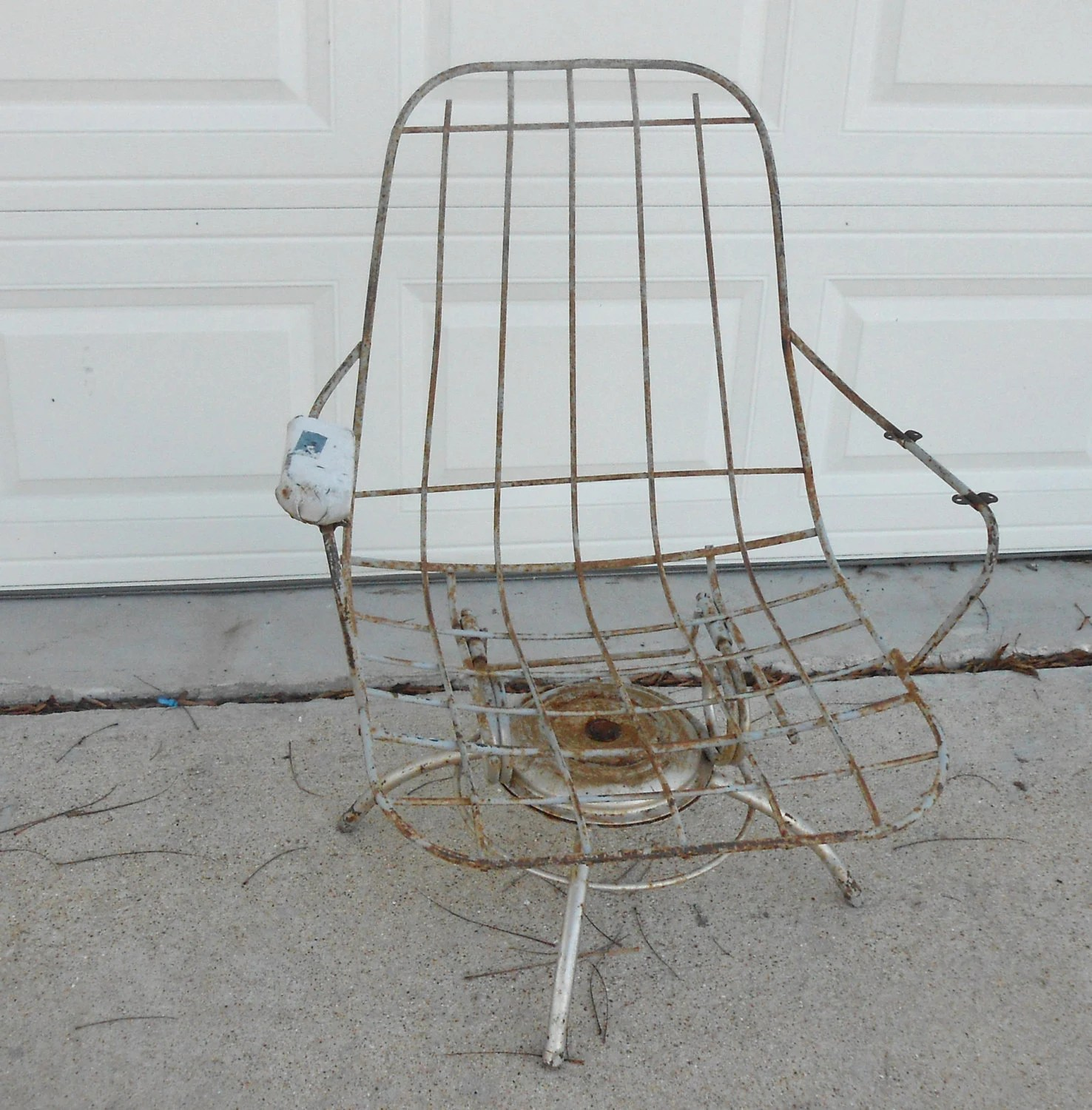 mid century modern wire chair therapeutic wobble vintage homecrest outdoor garden