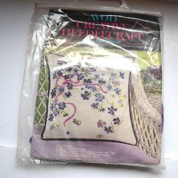 Vintage Avon Creative Needlecraft Crewel Embroidery Kit