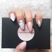 press nails light pink marble