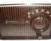 Jewel Tube AM Table Radio...