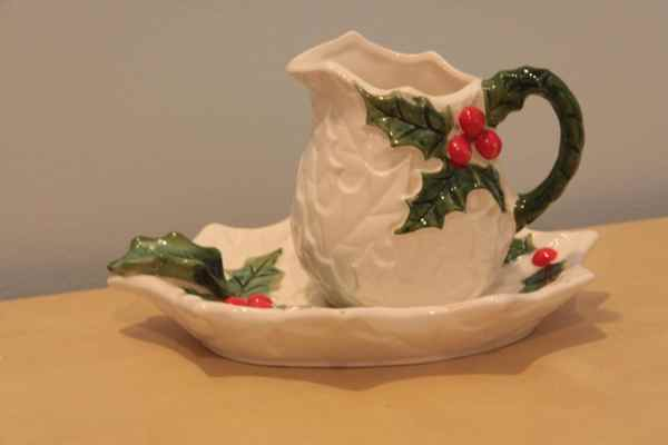 Vintage Lefton Christmas Creamer With Dish White Holly Leaves