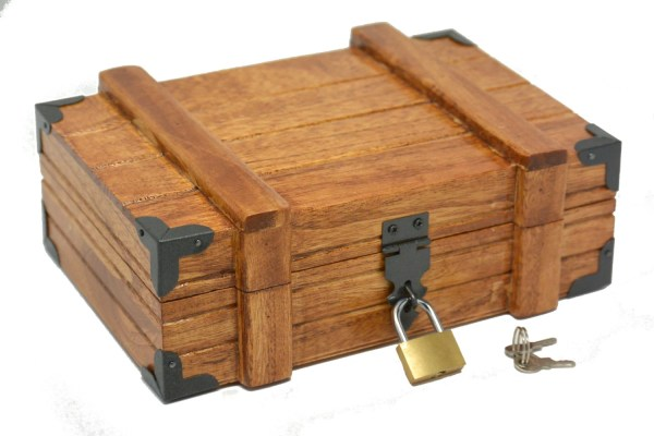 Vintage Mahogany Treasure Chest Box With Lock Keepsake