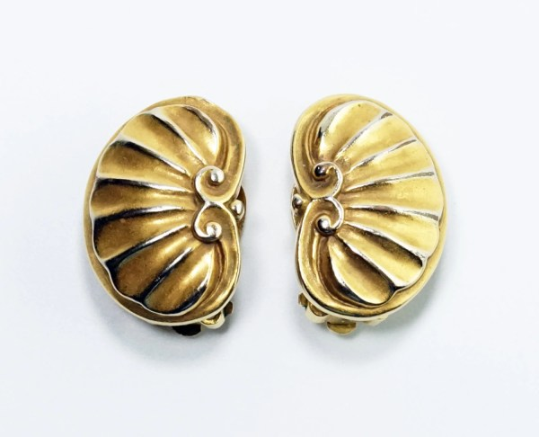 Mma Earrings Art Jewelry Vintage Metropolitan Museum Of