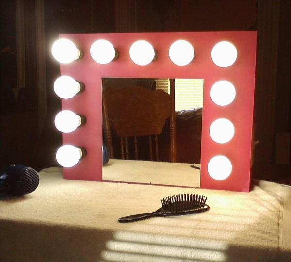 Hollywood-style Lighted Vanity Mirror Kids