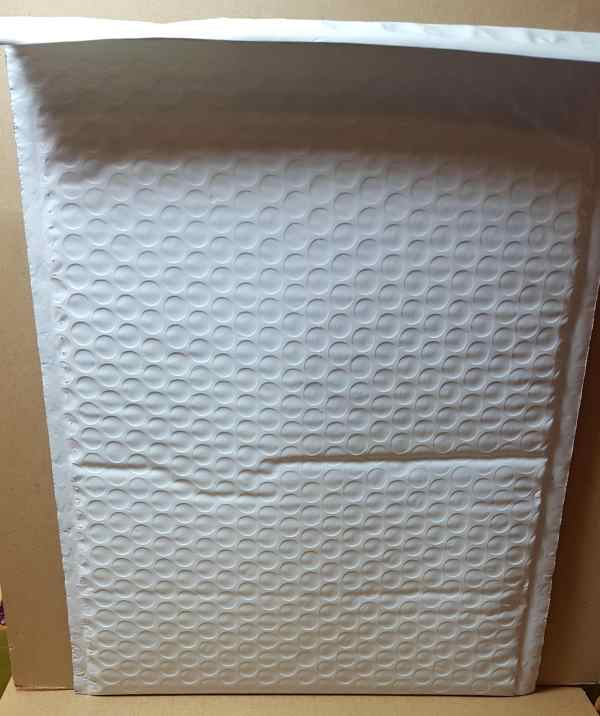 "20 - 8.5""x12"" White Bubble Mailers Padded Cushion Shipping"