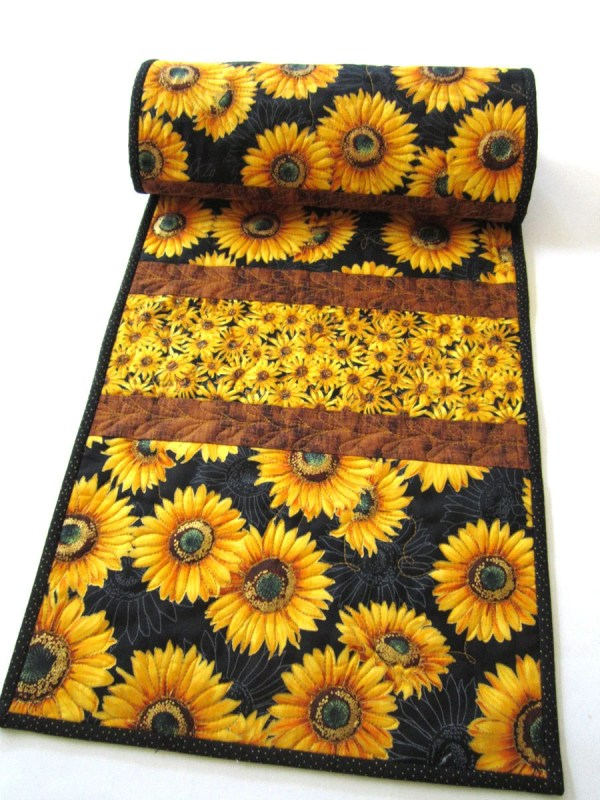 Table Runner Sunflowers Quilted