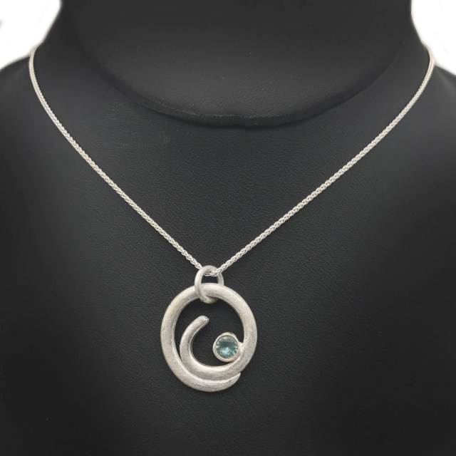 Ocean Wave Necklace | Sil...