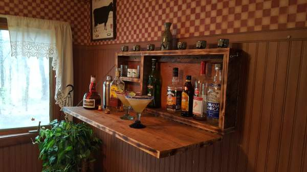 Rustic Murphy Bar Wall Mount Man Cave Liquor Cabinet