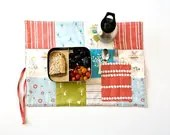 Organic Travel Placemat for Girls - Eco Travel Placemat with Cutlery Pocket - Organic Cotton Lunchbox Set (in blue, green, red, white dots)