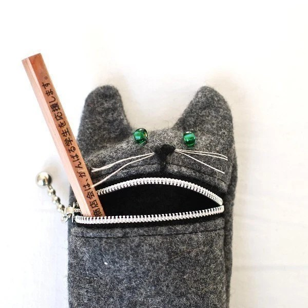 Pencil case,  Eyeglass case, Hungry cat, wool