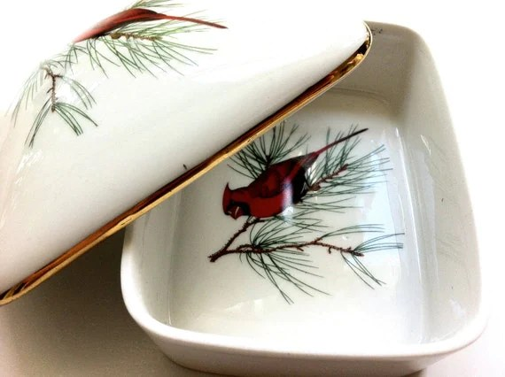 SALE - Porcelain Bird Jewellery Box - French Porcelaine de Paris 'Finch'