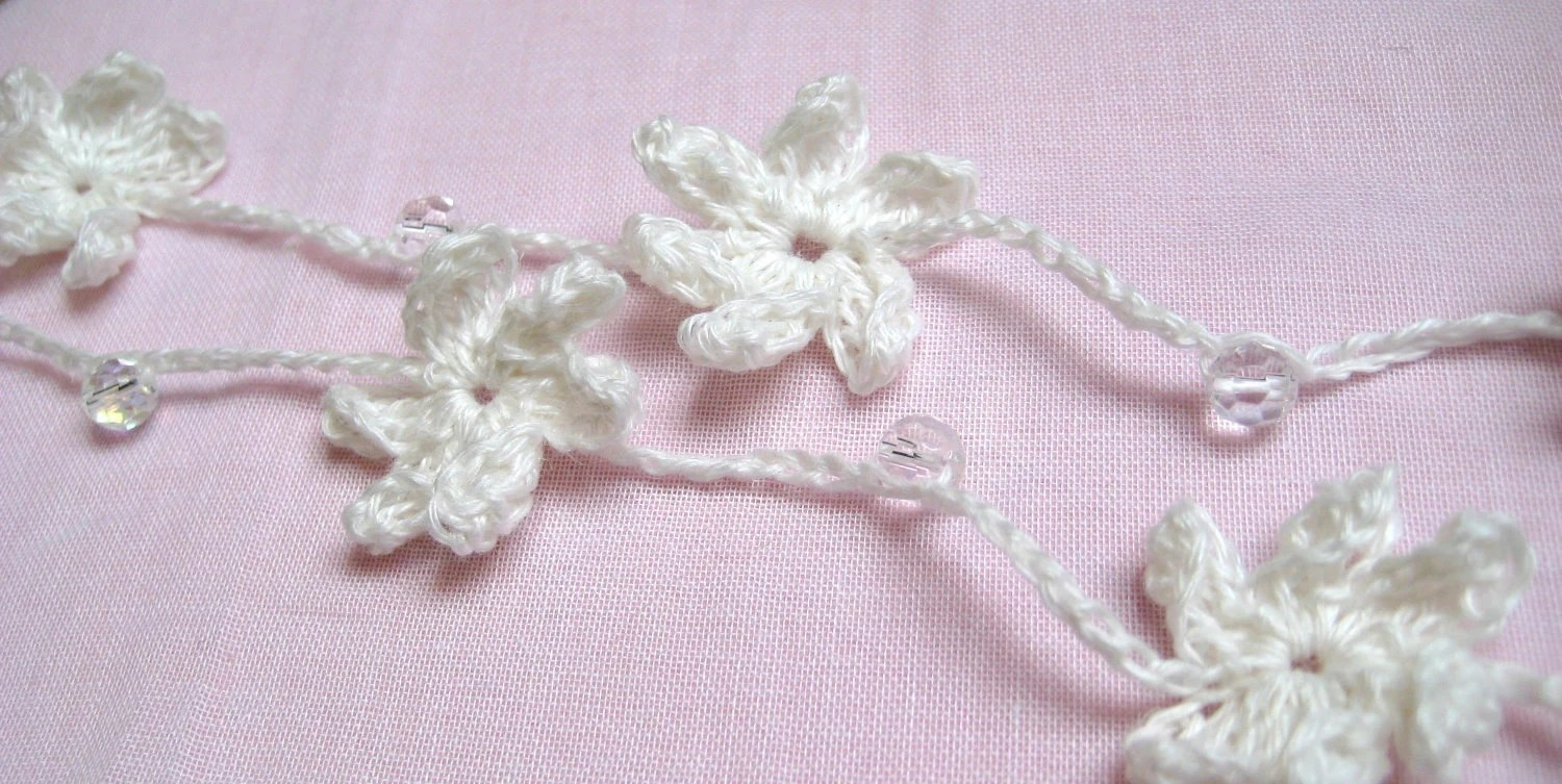 Crochet White Linen Flower Garland, Lariat, Hair Accessory
