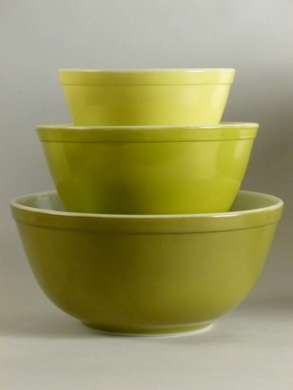 Pyrex Verde Mixing bowls 1960's