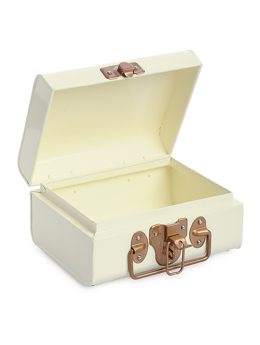 Buy Online Vintage Style Buxa Metal Trunk Decorative Box In Off White With Gold Accesorie From Home Decor For Unisex By Elan For 1400 At 5 Off 2020 Limeroad Com