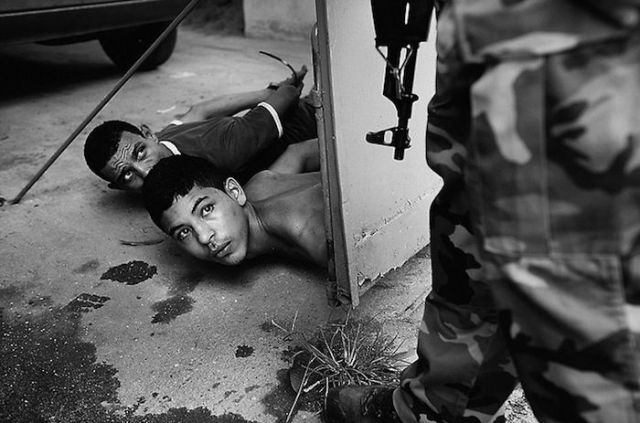 Гангстеры Рио де Жанейро: 30 шокирующих фото