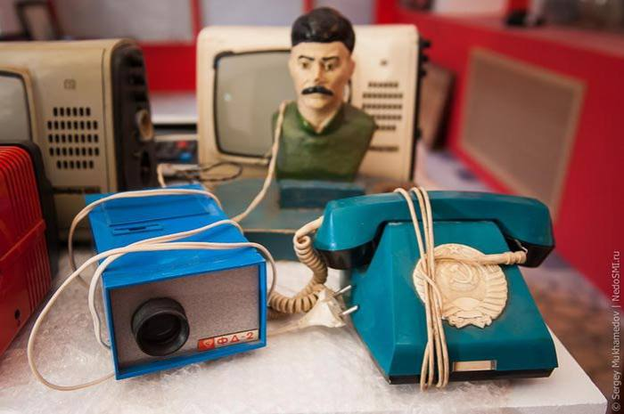 Поностальгируем? Фотографии ретро экспозиции предметов советского времени