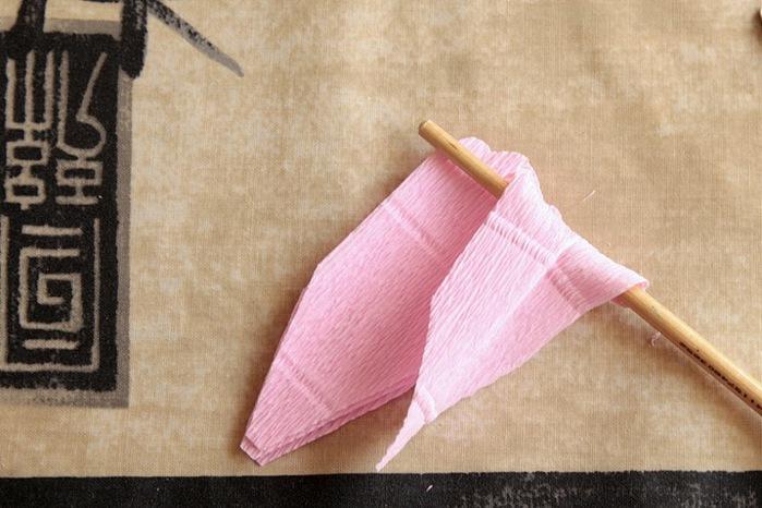 розы из гофрированной бумаги. мастер-класс (13) (699x466, 107Kb)