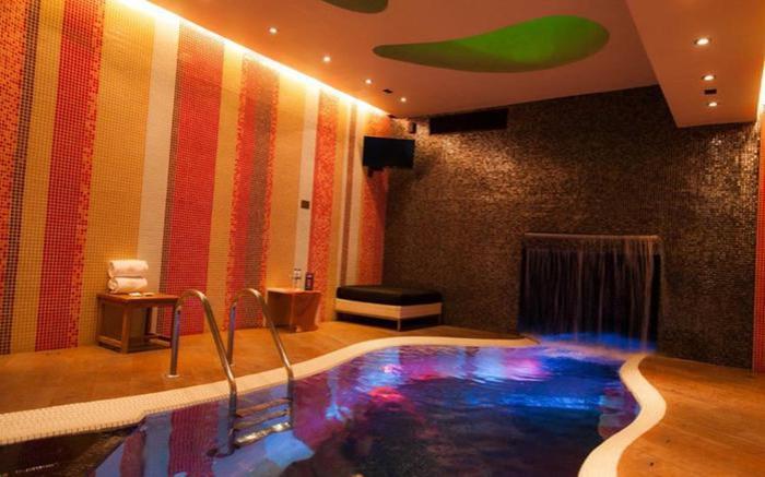 Сколько стоит почасовая оплата номера в гостинице для романтического свидания