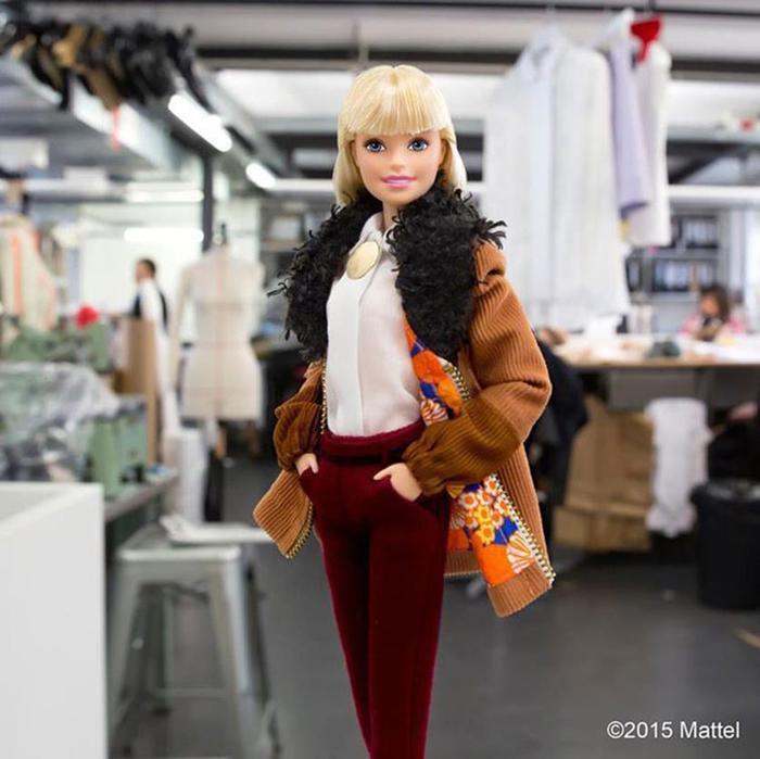Визажист нарядила куклу Барби реальными моделями недели моды в Париже