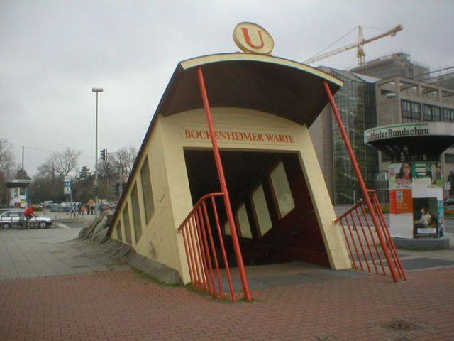 Самый крутой вход в метро в мире. Фотографии