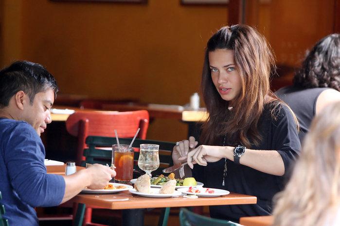 Что едят на завтрак знаменитые супермодели? Заглянем к ним в тарелки!