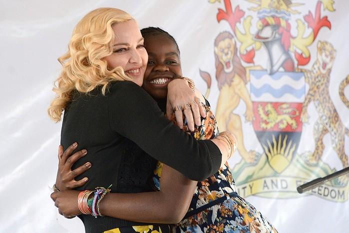 Мадонна показала в Инстаграм всех своих детей