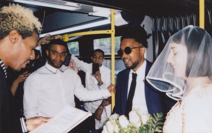 Американцы сыграли свадьбу в нью йоркском автобусе