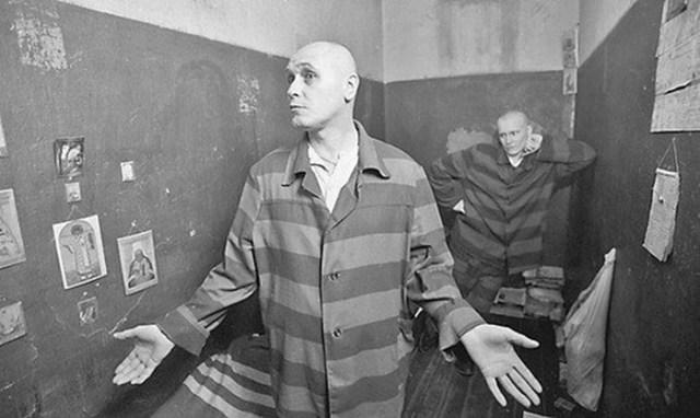 Люди каких профессий в русской тюрьме считаются самыми неуважаемыми