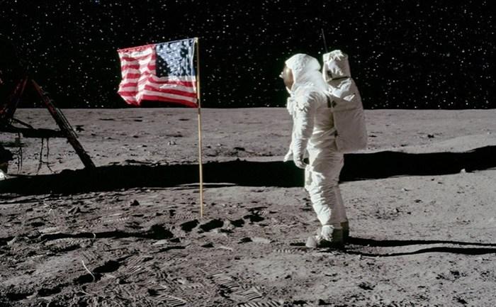 Как возник слух, что американцы не летали на Луну