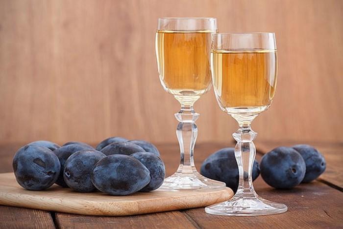 Как сделать вкусное сливовое вино: этапы, описание, фото